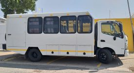 TOURING TRUCK 15 OR 18 SEATER